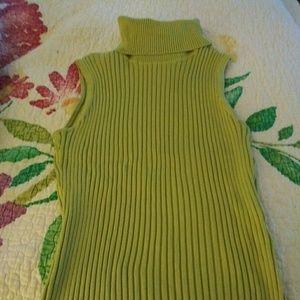 Emanuel Lime Green Sleeveless Turtleneck Size M